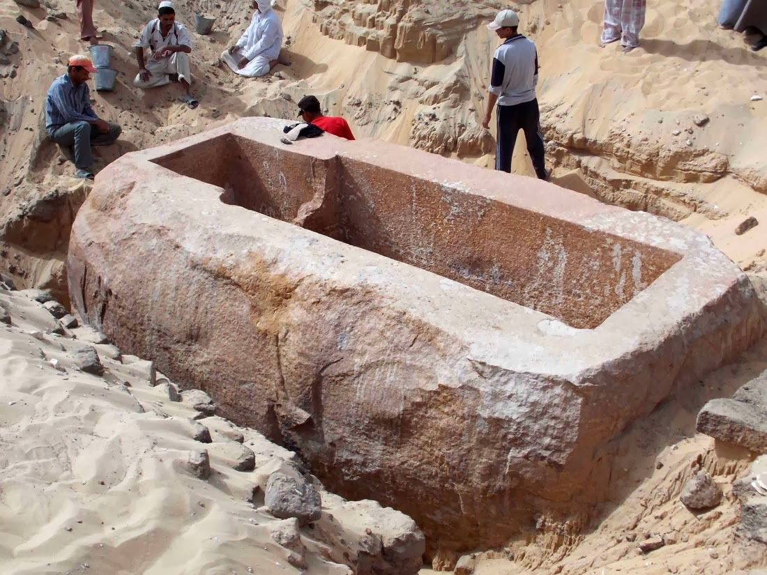 anakalipsan-sarkofagos-60-tonon-stin-avido