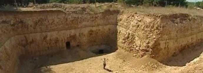 i-palaioteri-pyramida-ston-planiti-anakalifthike-thammeni-sti-krimaia