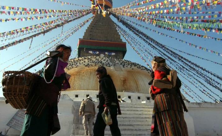 deite-meso-tou-google-earth-ta-mnimeia-pou-katastrafikan-sto-nepal