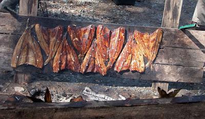 Συντήρηση των ψαριών με κάπνιση