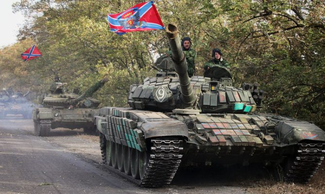 EKTAKTO: Spetsnaz και S-400 μεταφέρθηκαν στην Κριμαία – Ρωσικά άρματα μάχης αναπτύχθηκαν στα σύνορα με την Ουκρανία – Έτοιμη για επέμβαση η Μόσχα (βίντεο-εικόνες)