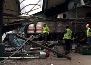 ΗΠΑ: Τρένο «εισέβαλε» σε αποβάθρα -Πληροφορίες για 100 τραυματίες (εικόνες-βίντεο)