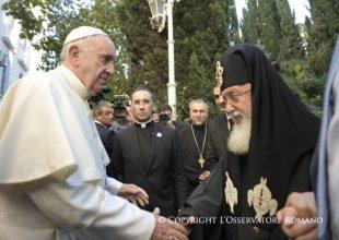Προσκύνησε και ο Πατριάρχης Γεωργίας: Συνάντηση Πατριάρχη Γεωργίας με Πάπα Φραγκίσκο (Βίντεο)