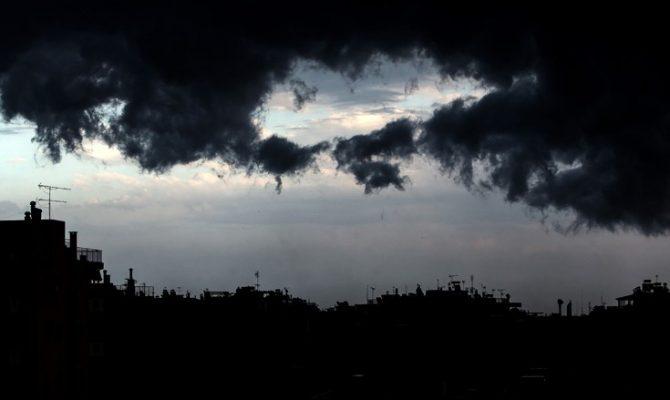Έκτακτο δελτίο από την ΕΜΥ προειδοποιεί για καταιγίδες και χιόνια