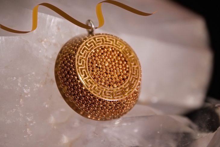 katohika-pendant-1