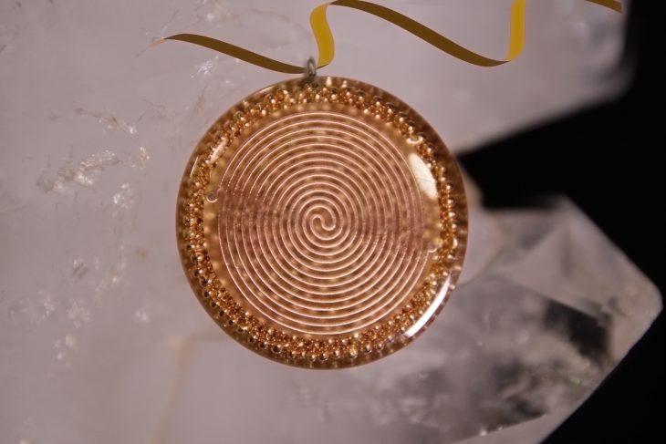 katohika-pendant-2