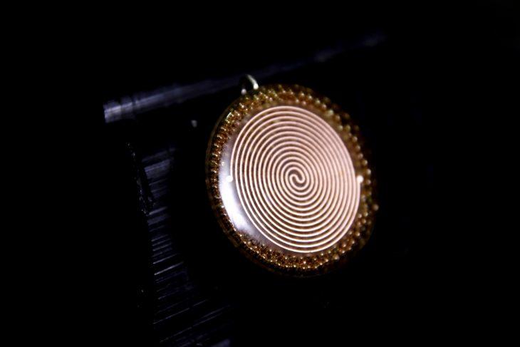 katohika-pendant-4