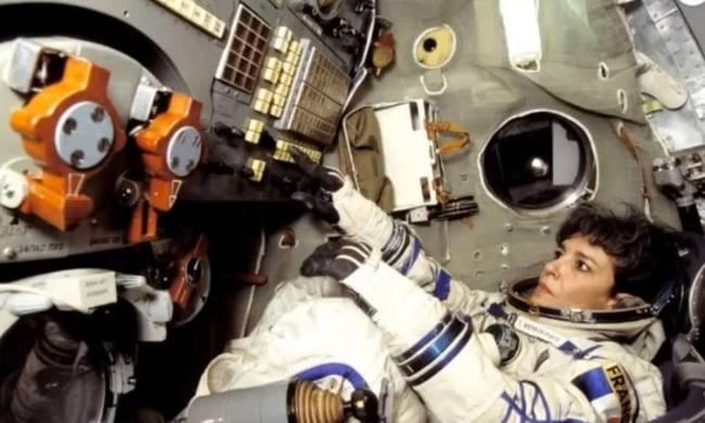 «Η Γη Πρέπει να Προειδοποιηθεί», Ούρλιαξε η Αστροναύτισσα (video)