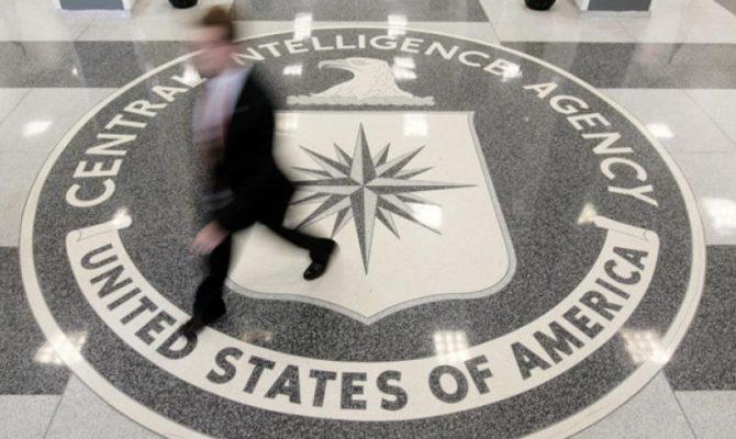 """Η CIA προειδοποιεί τον Τραμπ: Η ακύρωση της συμφωνίας με το Ιράν θα είναι """"η απόλυτη τρέλα"""""""