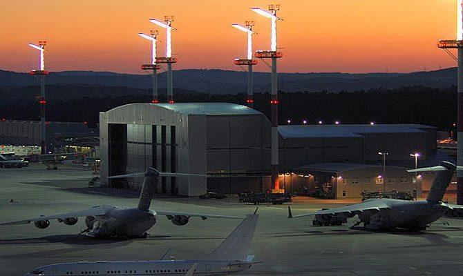 ΠΟΛΙΤΙΚΟΣ ΣΕΙΣΜΟΣ ΣΤΟ ΒΕΡΟΛΙΝΟ! Η στρατιωτική βάση Ράμσταιν χρησιμοποιείται…