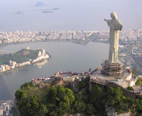 Worlds Highest Statue Photoshop Picture