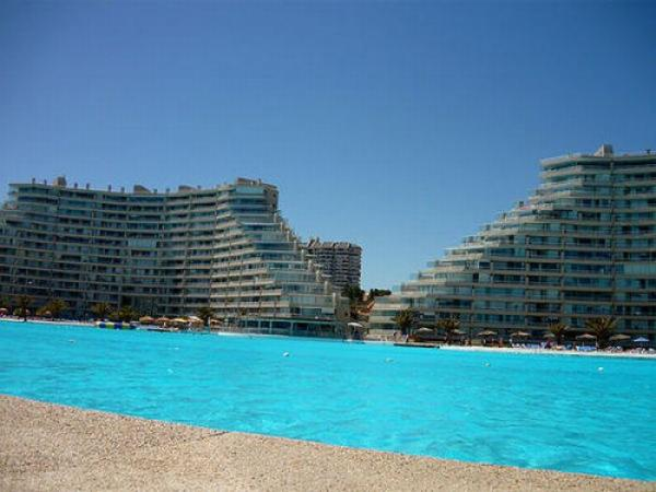 Worlds Largest Pool Photoshop Picture