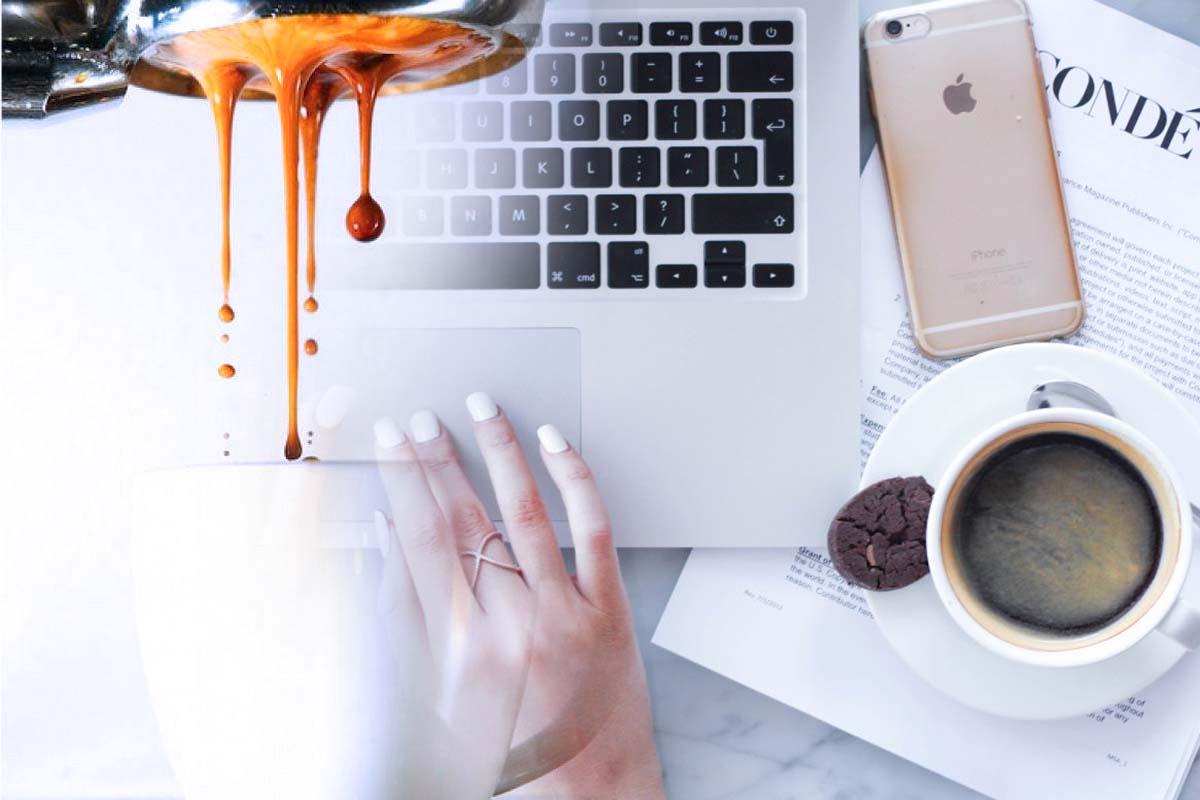 Women-drinking-coffee a
